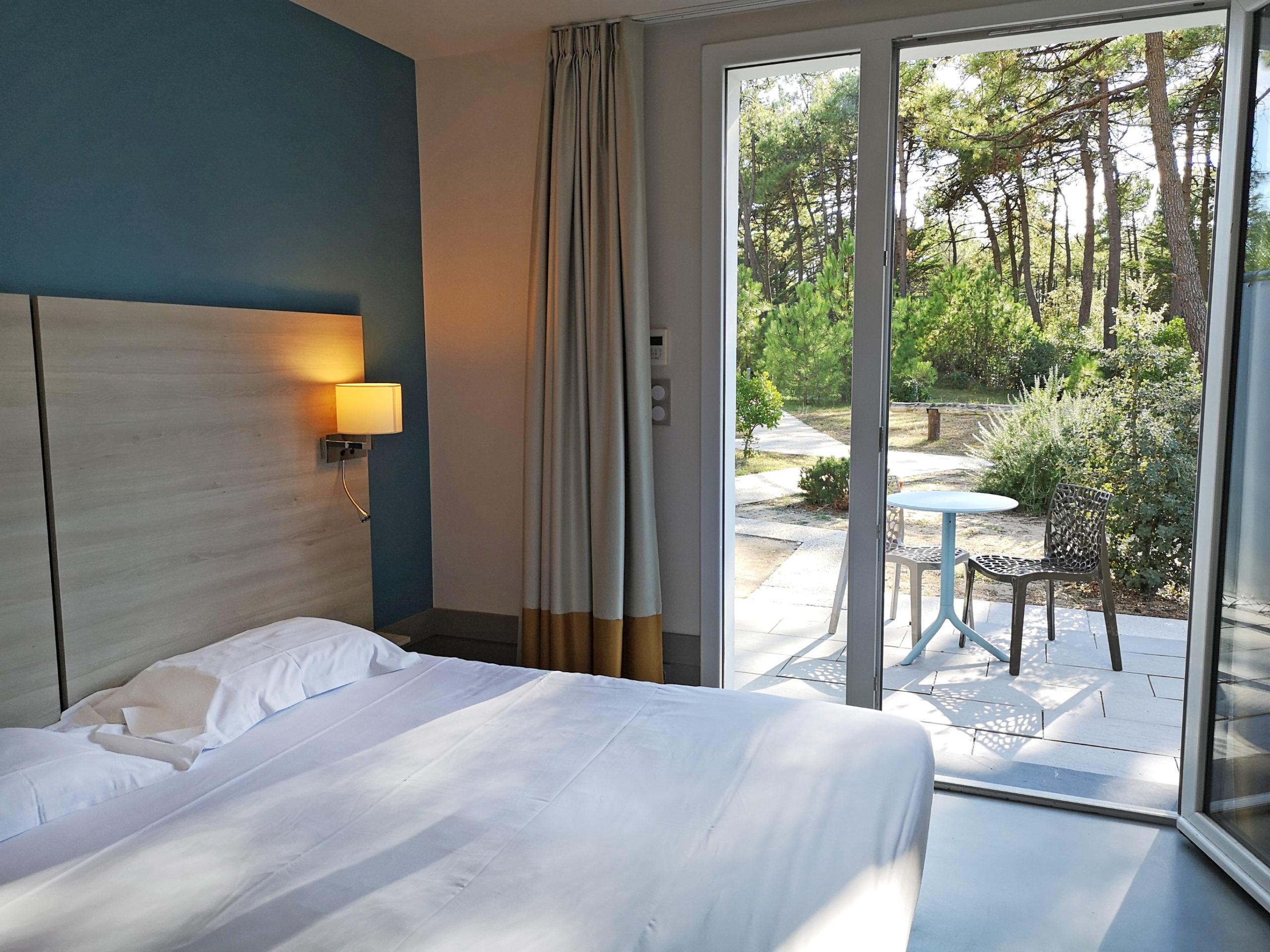 VE-chambre-double-terrasse-bleu2