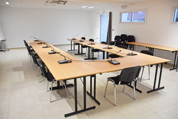 salle-seminaire-micros1